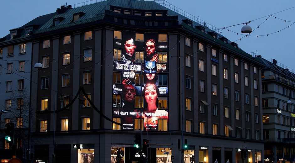 Massive digital OOH delivery for Justice League